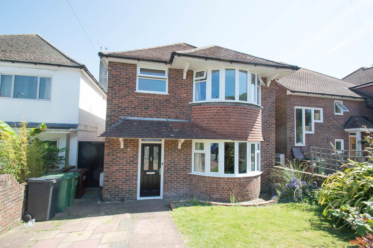 3 Bedrooms Detached House for sale in Osborne Road, Eastbourne